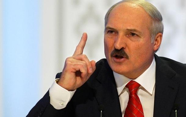Лукашенко подал документы на участие в выборах президента