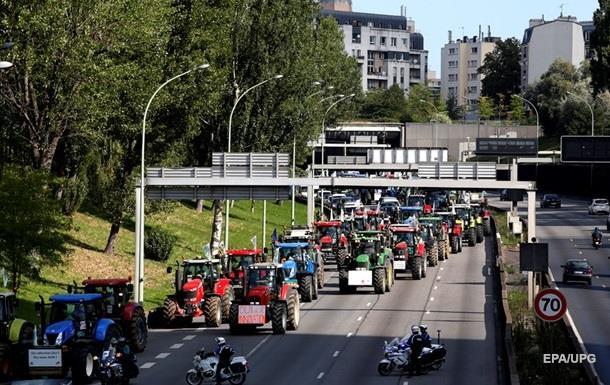 В Брюсселе тысячи фермеров на тракторах митингуют у Совета ЕС