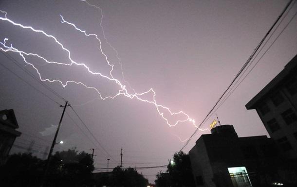В Индии от ударов молнии погибли более 20 человек