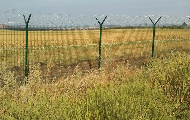 Россия отгородилась от ЛНР забором с колючей проволокой – соцсети