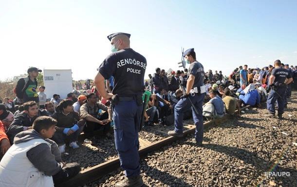 Венгрия хочет защититься армией от беженцев на границе с Сербией