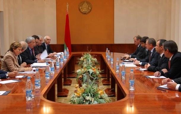 Делегации ПАСЕ объяснили особенности президентской кампании в Беларуси