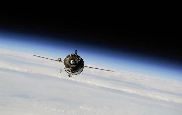 Космический корабль Союз с экипажем приземлился в Казахстане