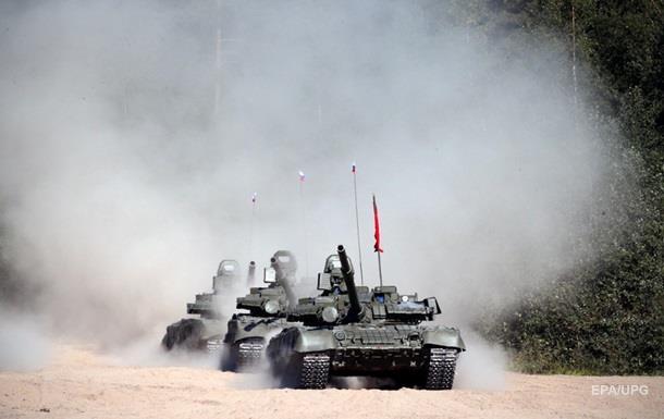 Россия размещает танки на аэродроме в Сирии - СМИ