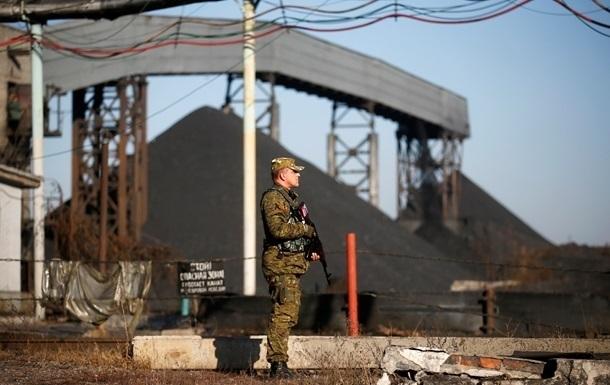 Захарченко запретил поставлять уголь Киеву