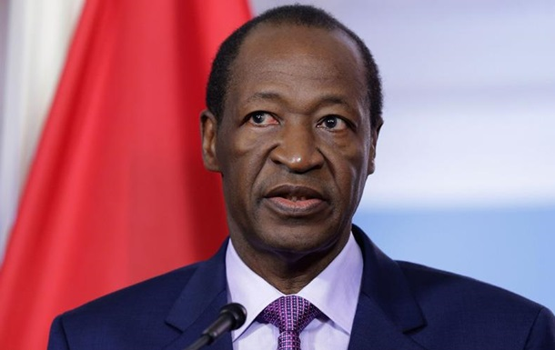 Временный президент Буркина-Фасо арестован собственной охраной