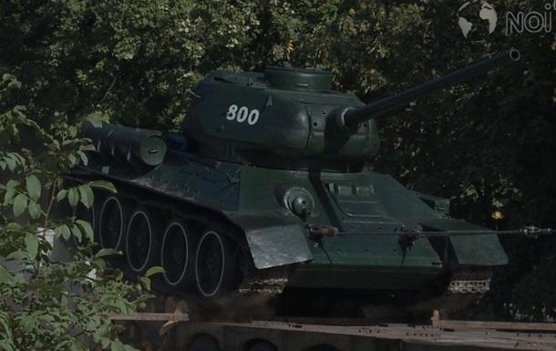 В Молдове демонтируют советские танки