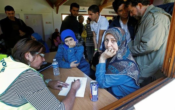Франция из-за беженцев решила закрыть границу