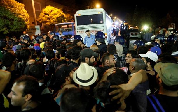 За ночь из Хорватии в Венгрию прорвались три тысячи мигрантов