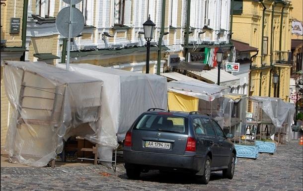 Андреевский спуск станет пешеходным с октября