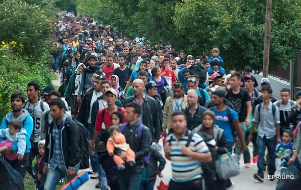 Македония продлила режим ЧС из-за наплыва беженцев