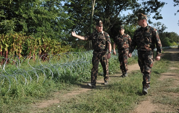 Венгрия объявила частичную мобилизацию из-за беженцев
