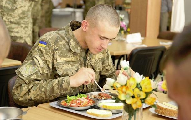 В Минобороны обещают кормить бойцов по стандартам НАТО
