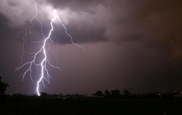 УЛьвівській області блискавка вбила чоловіка