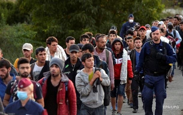 На выходных в Австрию въехали 20 тысяч беженцев