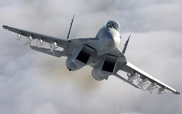 В Калифорнии разбился истребитель F-18