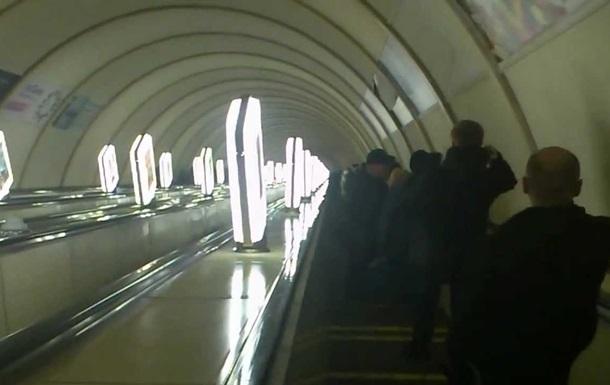 На станции метро  Дорогожичи  закрывают эскалатор на ремонт
