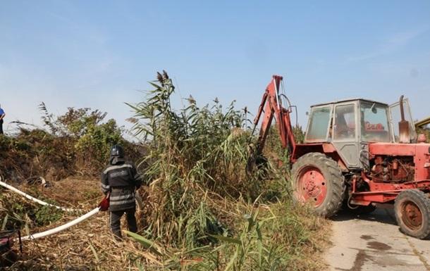 Одесситы жалуются на запах гари из-за пожара на полях орошения