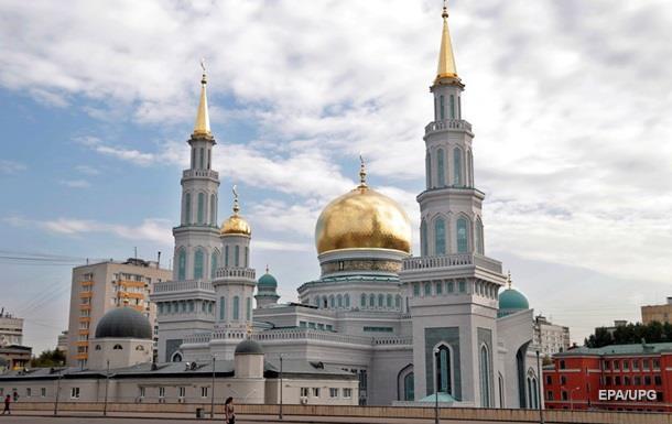 В Москве открылась крупнейшая мечеть Европы, Путин читал Коран