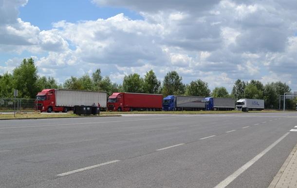 Сербия закрыла границу для грузовых автомобилей из Хорватии