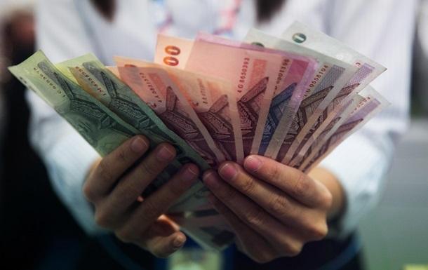Треть украинцев отказываются хранить сбережения в банках