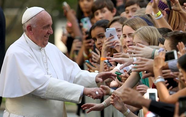 Папу Римского в аэропорту Нью-Йорка встречали под звуки песни Синатры