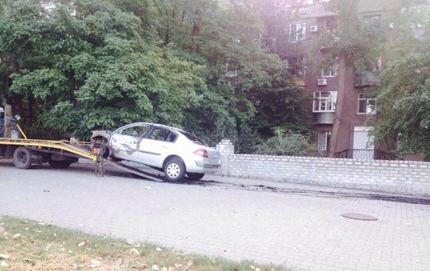 В центре Запорожья сгорел автомобиль