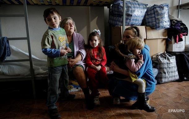 Половина эвакуированных детских домов Донбасса вернулись в зону АТО