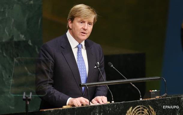 Король Нидерландов призывает наказать виновных в крушении Боинга