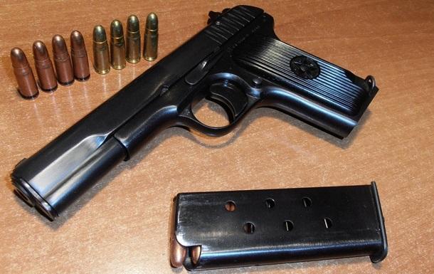 Харьковчанин собрал пистолет из деталей, которые получил по почте
