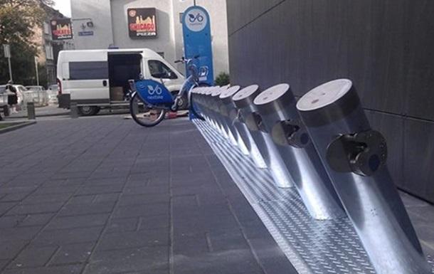 Во Львове установили первый в Украине муниципальный велопрокат
