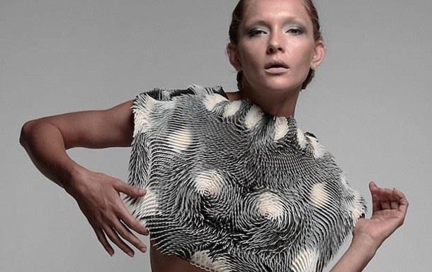 Создана женская одежда, которая трансформируется под мужским взглядом