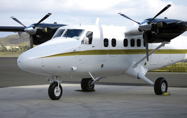 В Индонезии пропал самолет с 10 пассажирами