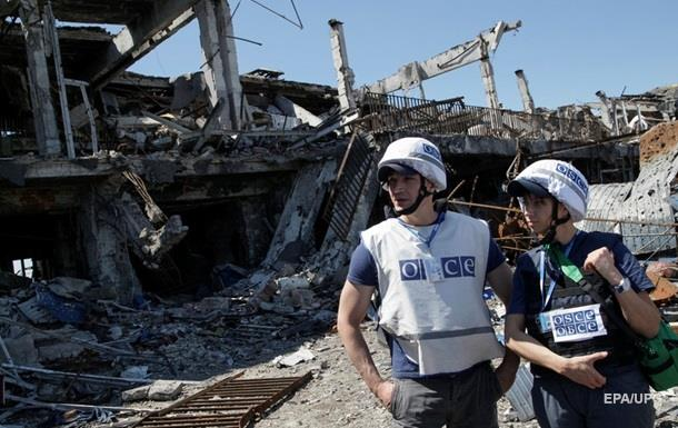 Наблюдатели ОБСЕ зафиксировали три самолета на Донбассе