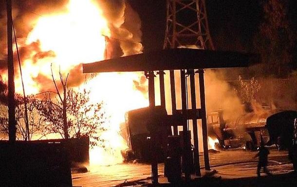В Николаеве на заправке взорвался бензовоз