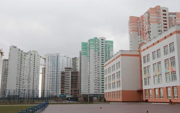 В Киеве начнут включать отопление в школах и больницах