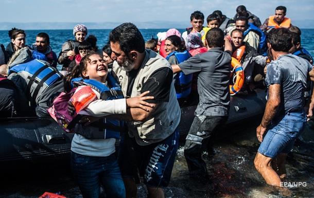У берегов Испании спасли около 150 мигрантов