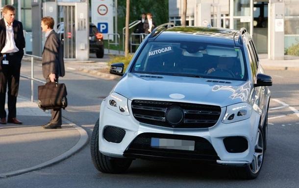 Фотошпионы рассекретили внешний вид Mercedes-Benz GLS