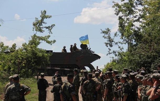 Силовики отчитались об отводе танков на Луганщине