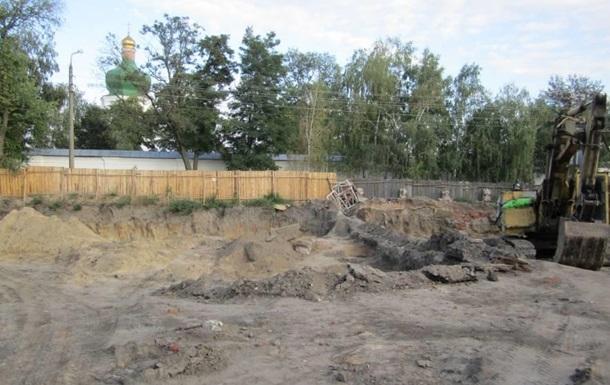 Активісти КНК захищають Єлецький монастир від незаконної забудови