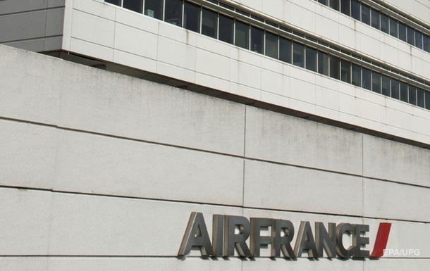 Из авиакомпании Air France  могут уволить 5 тысяч человек - СМИ