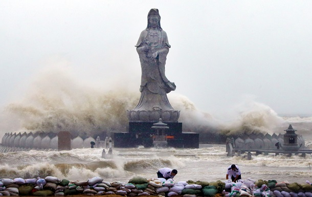 В Китае число жертв тайфуна Мучжигэ приблизилось к 20