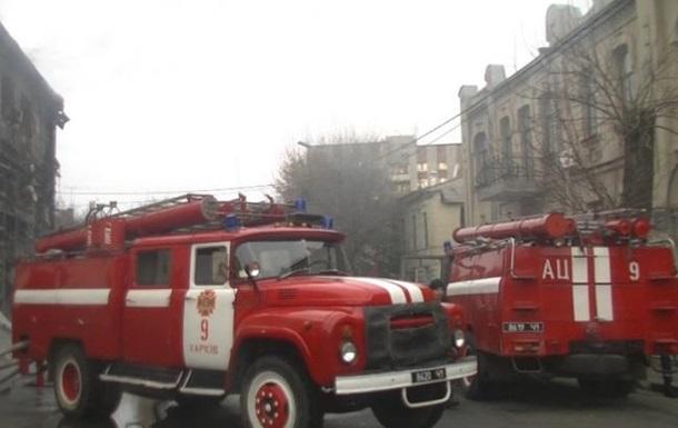 В Харькове неизвестные бросили  коктейль Молотова  в окно жилого дома
