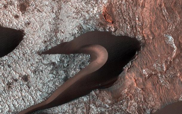 NASA показало дюны на Марсе