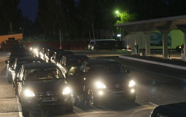 Из Киева выехали джипы для охраны западной границы