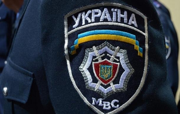 Милиционера в Киевской области задержали за взятку в четыре тысячи долларов