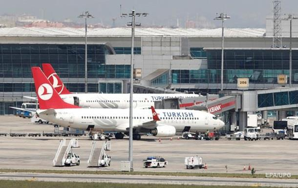 Британка, опоздав на рейс, повесилась в аэропорту Стамбула