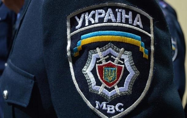В Киеве разгромили предвыборную палатку и избили агитаторов