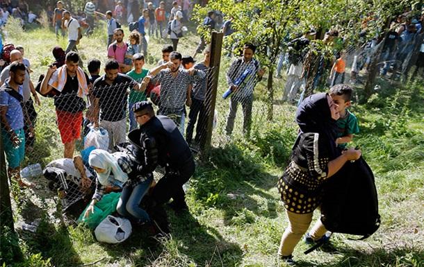 Хорватия открыла для беженцев границу с Сербией