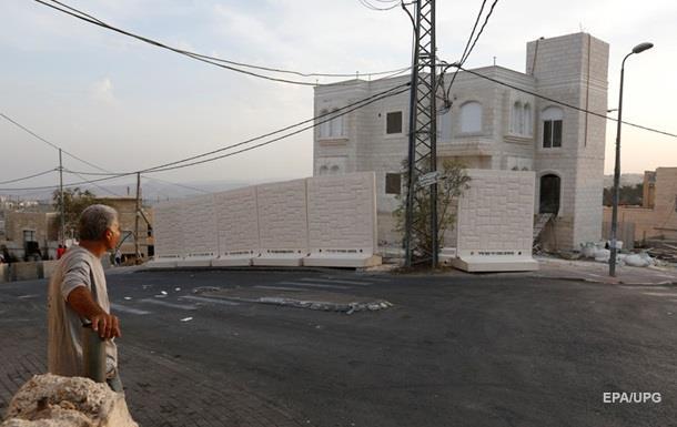 Нетаньяху заморозил строительство новой стены в Иерусалиме
